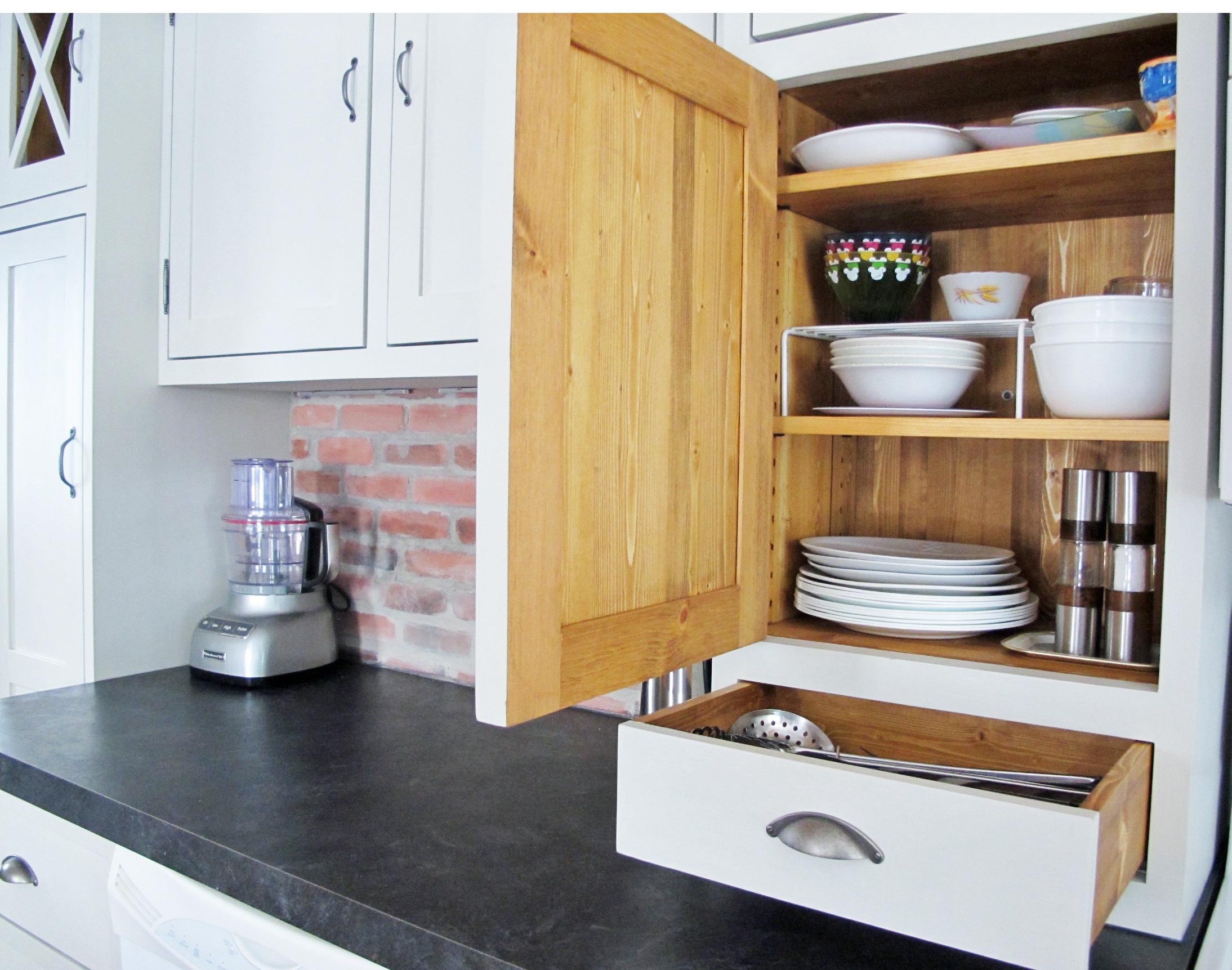 Restauration r paration de meubles et d 39 armoires de - Reparation armoire de cuisine ...