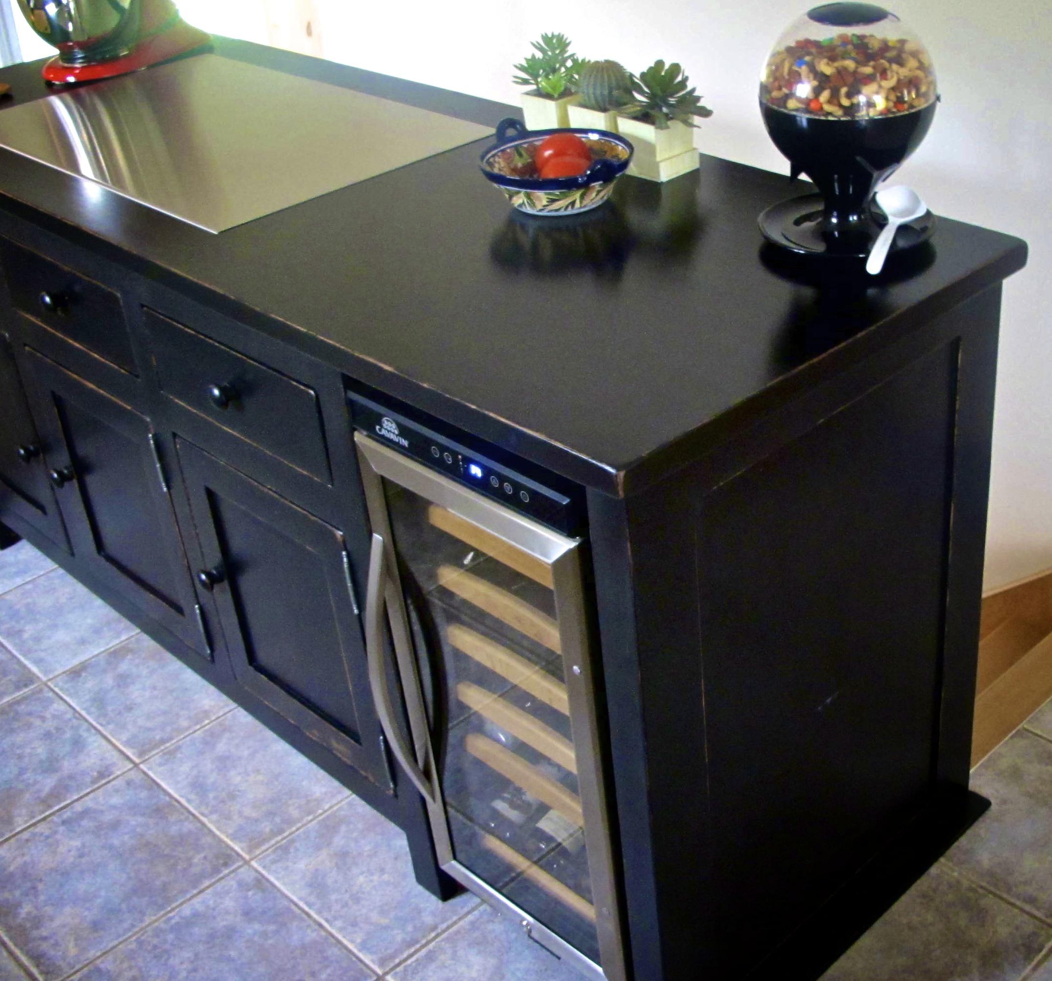 restauration d 39 armoire de cuisine en bois la boite pin. Black Bedroom Furniture Sets. Home Design Ideas